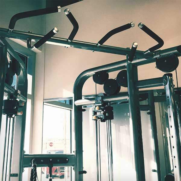 Fitness combo machine with pull-up bars